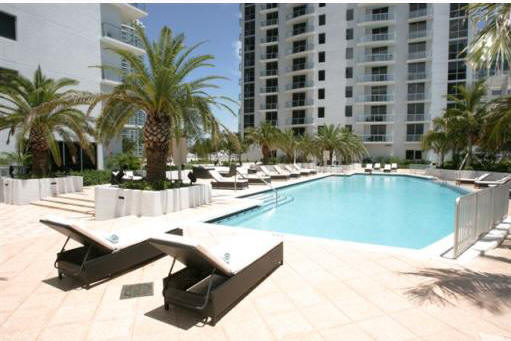 1060 Brickell Condo-Pool