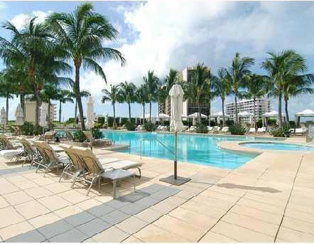 Miami Four Seasons Pool