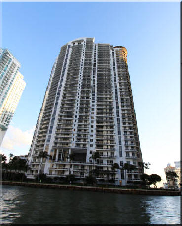 Carbonell Brickell Key